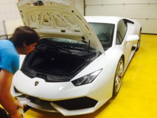 Lamborghini Huracan - антигравийная оклейка переднего бампера