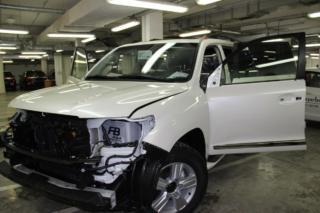 Toyota Land Cruiser 200 - полная оклейка антигравийной пленкой