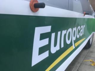 Брендирование транспорта международной службы аренды автомобилей Europcar